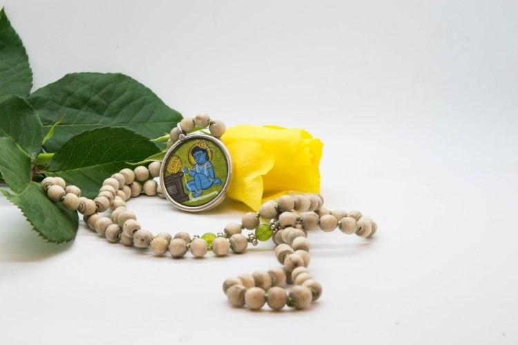 Krishna Mala With Tulsi Beads & Kyanite