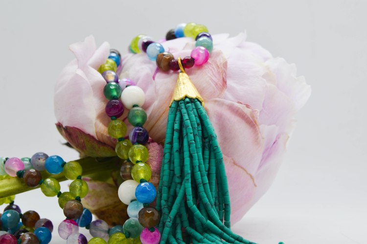 agohya Mala (Bright, not to be concealed or covered, bright)